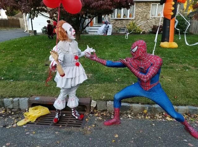 IT vs Spider Man